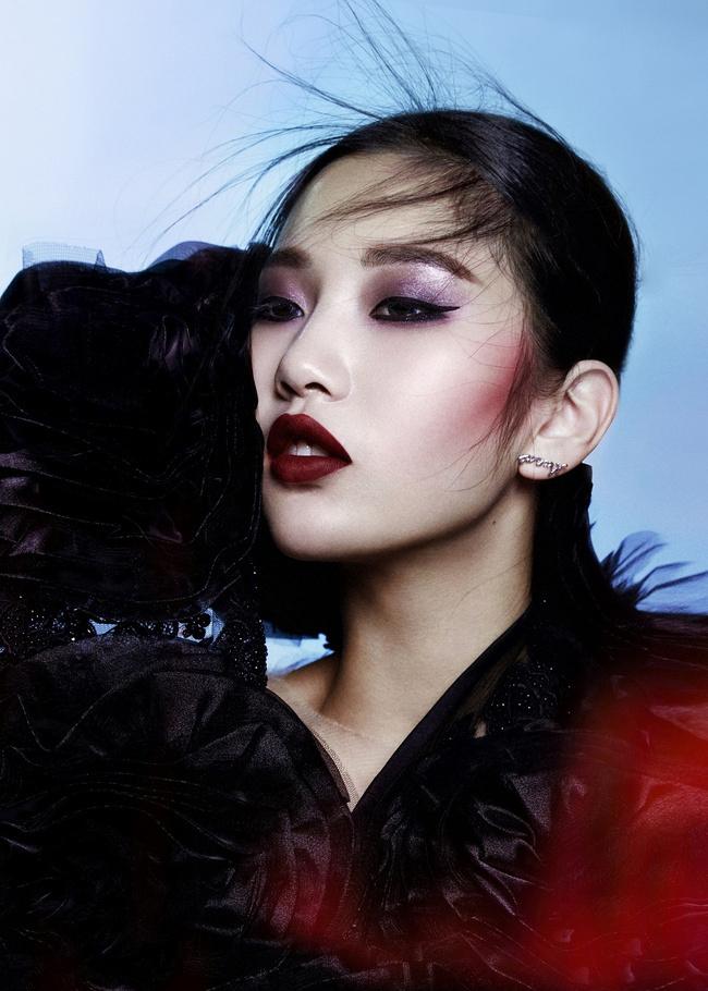 济南化妆好学吗 济南基础化妆培训班各种妆容和造型